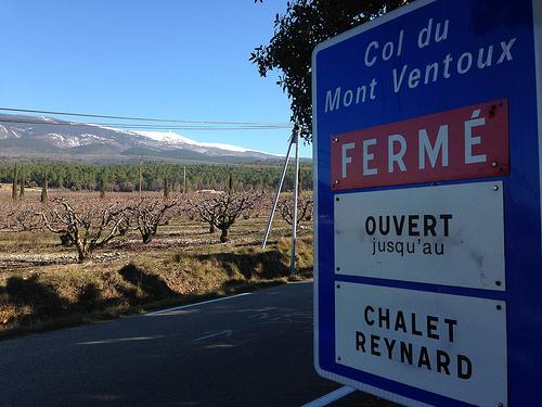 16468170510-Col-du-Mont-Ventoux-ferme-aux-voitures-p.jpg